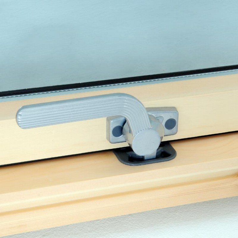 Luctis centre pivot timber roof window for Window handles